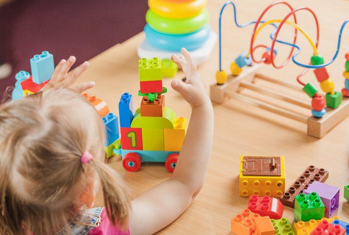 6 مزیت اسباب بازی های آموزشی برای رشد کودکان